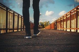 bridge-feet-railings-244371